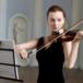 バイオリンを弾く女性-画像